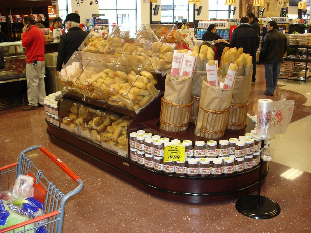 Bakery Displays In Store Application Rw Rogers